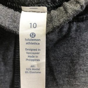 lululemon athletica Pants - Lululemon gray Take Ten 7/8 pant sz 10 NWT 61985